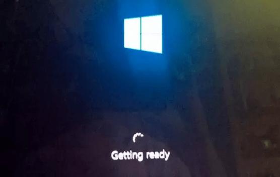 Windows 10 - Getting Ready Setup Screen